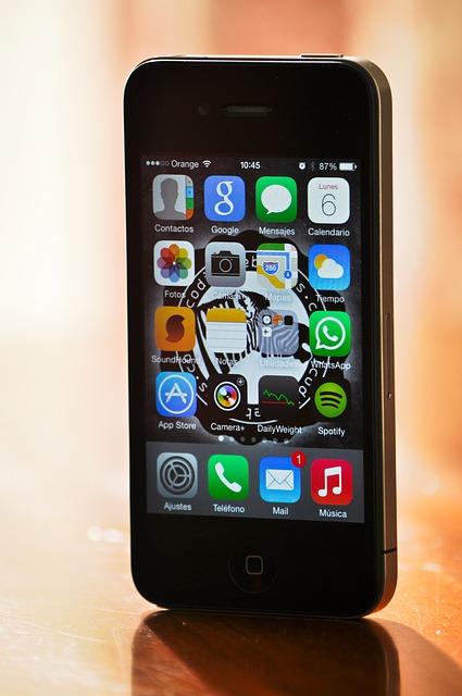 iphone-476237_640